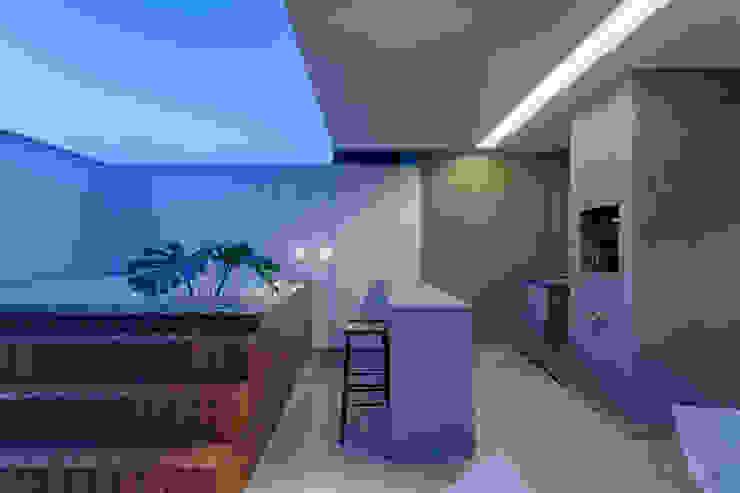 Apartamento   Cobertura Varandas, alpendres e terraços modernos por Piacesi Arquitetos Moderno