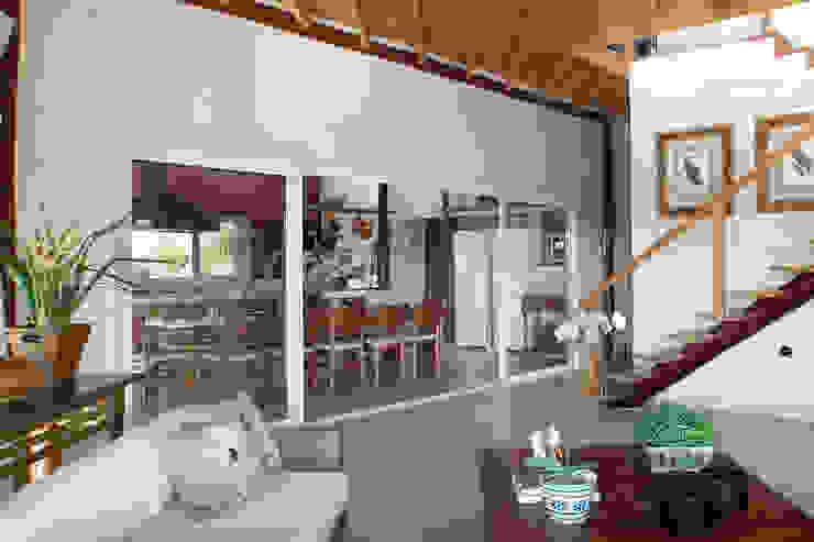 Casa Fazenda CC Varandas, alpendres e terraços rústicos por Silvia Cabrino Arquitetura e Interiores Rústico