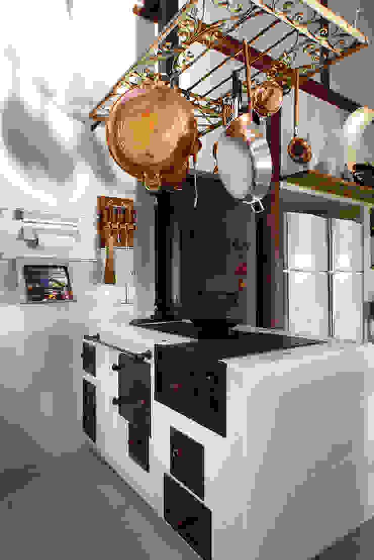 Silvia Cabrino Arquitetura e Interiores Kitchen