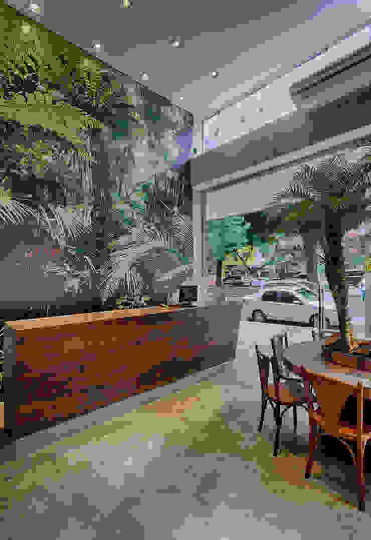Jardim Gourmet Espaços gastronômicos tropicais por Piacesi Arquitetos Tropical