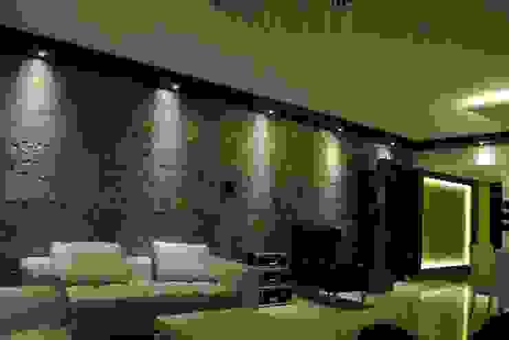 Pebble bay. Modern living room by Construction Associates Modern