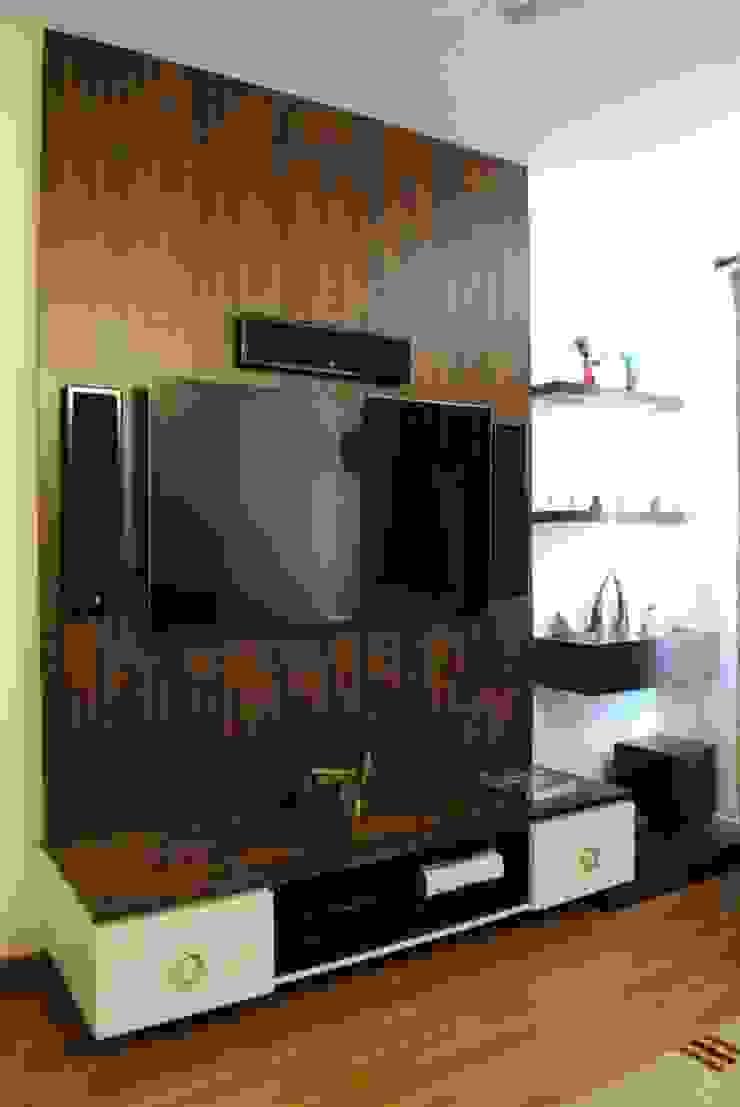Duplex Apartment Modern living room by Construction Associates Modern