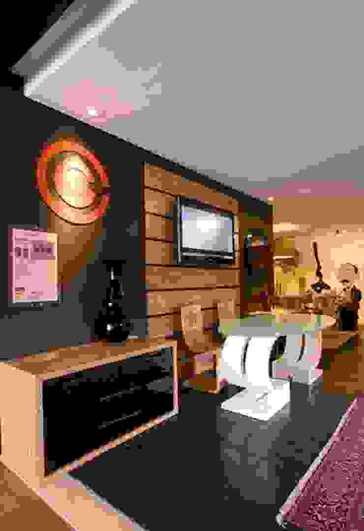 projeto Salas de estar modernas por ra2 Moderno