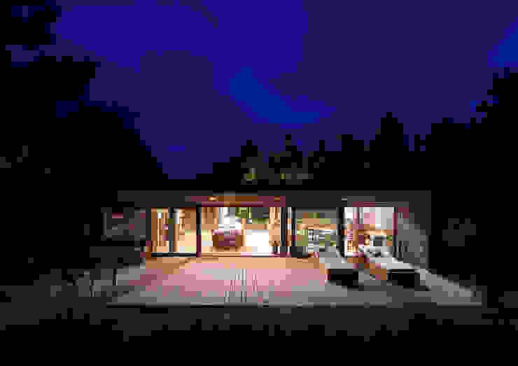 Casas modernas de LUCAS MC LEAN ARQUITECTO Moderno