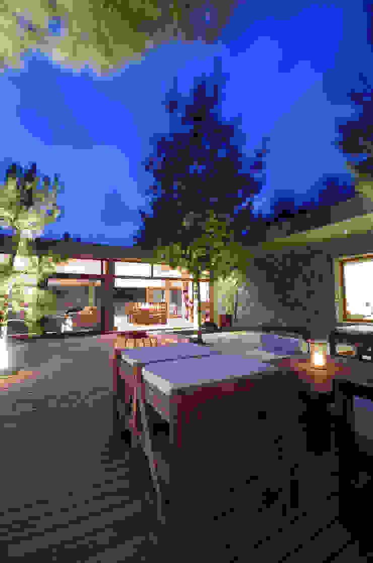 LUCAS MC LEAN ARQUITECTO Modern houses