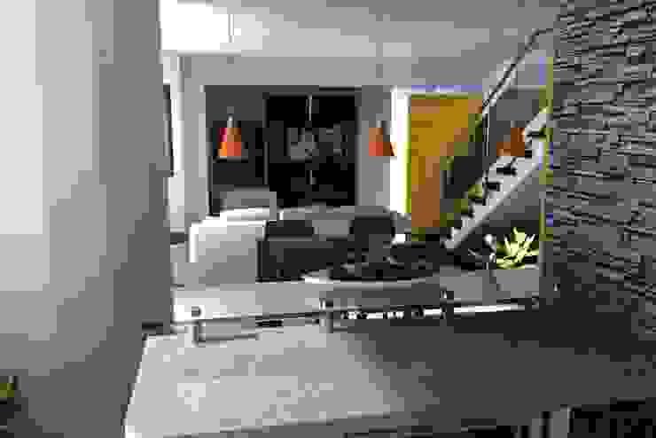 Apartamento en El Rosal Salas de estilo moderno de Arquitectura 4rq Moderno
