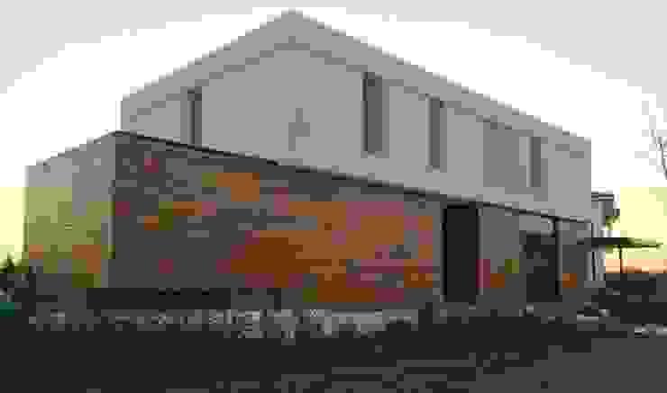 Casa ANV: Casas de estilo  por Israel & Teper arquitectos