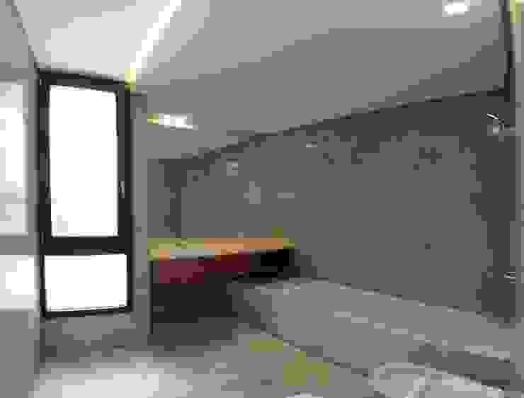 Casa ANV Baños modernos de Israel & Teper arquitectos Moderno