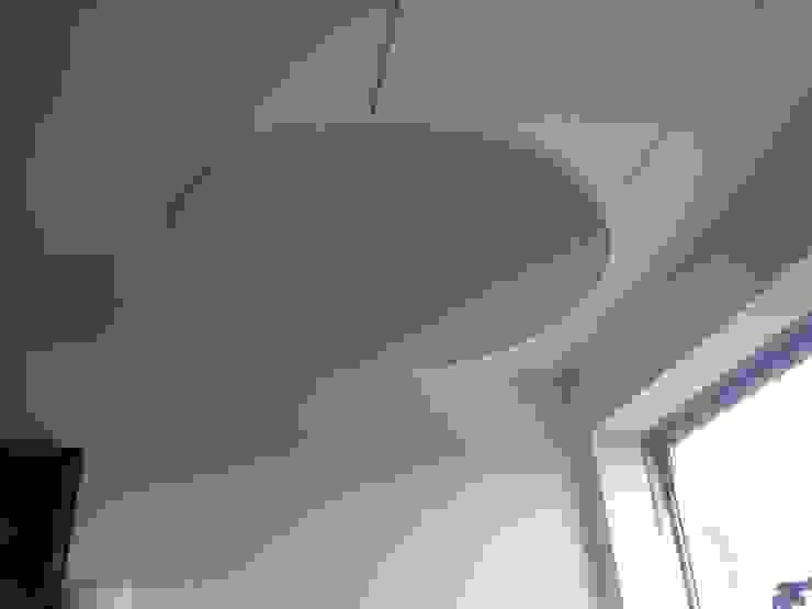 Zwevend plafond eiland met Sterrenhemel verlichting voor de slaapkamer, keuken, huiskamer, restaurant, hotel, lounge:  Slaapkamer door MyCosmos,