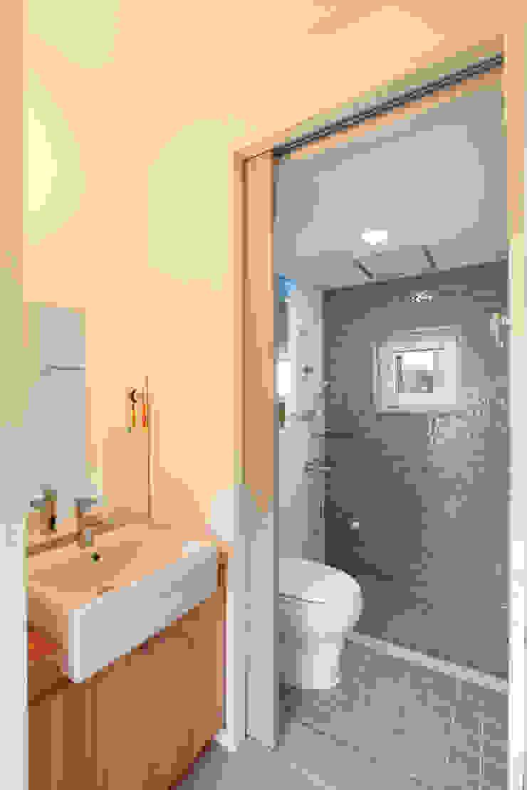 건,습식 구분 화장실 모던스타일 욕실 by 주택설계전문 디자인그룹 홈스타일토토 모던