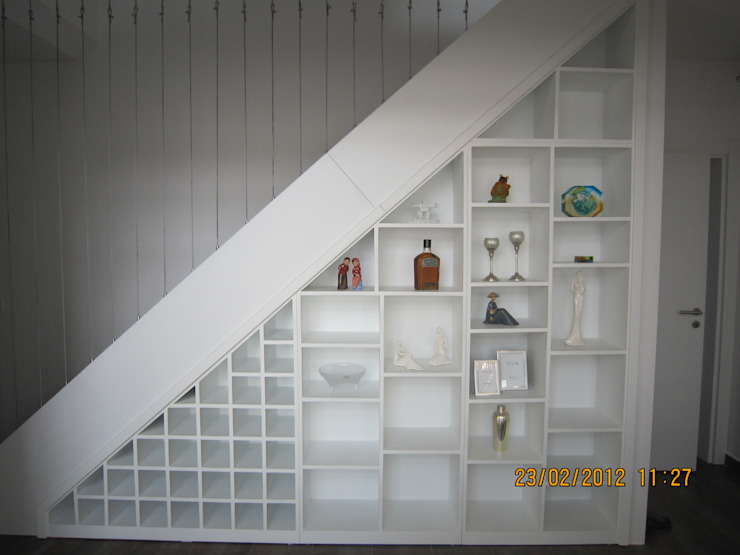 homify Corridor, hallway & stairs Stairs