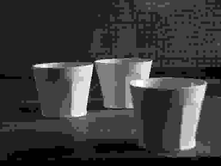 白磁面取カップ: 三窯が手掛けたクラシックです。,クラシック 磁器