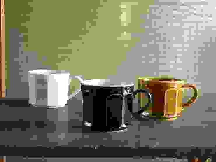 面取マグカップ(白磁・ルリ・黄磁): 三窯が手掛けたスカンジナビアです。,北欧 磁器