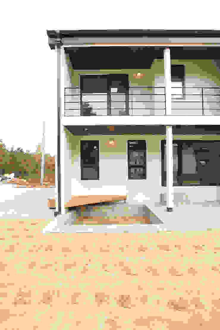 남측정면 모던스타일 주택 by 주택설계전문 디자인그룹 홈스타일토토 모던