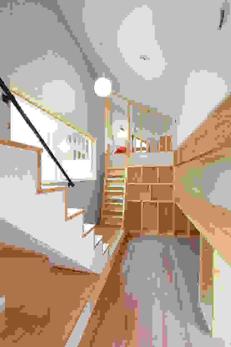 2.5층의 아빠서재 모던스타일 서재 / 사무실 by 주택설계전문 디자인그룹 홈스타일토토 모던