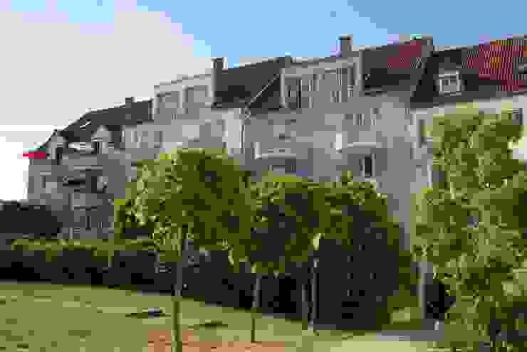 farben schiller Casas estilo moderno: ideas, arquitectura e imágenes Azul