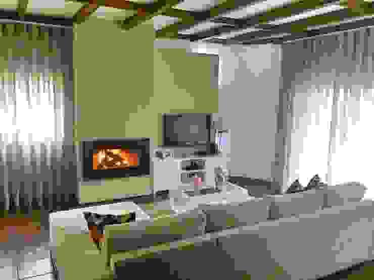 Sala de estar por Alma Braguesa Furniture Campestre