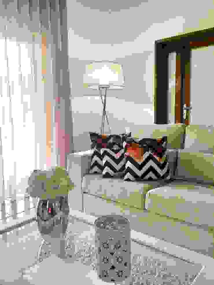 Sofá por Alma Braguesa Furniture Campestre Algodão Vermelho