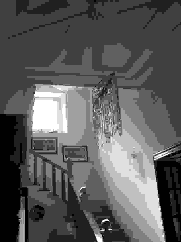 INGRESSO Ingresso, Corridoio & Scale in stile classico di Studio Messori Classico