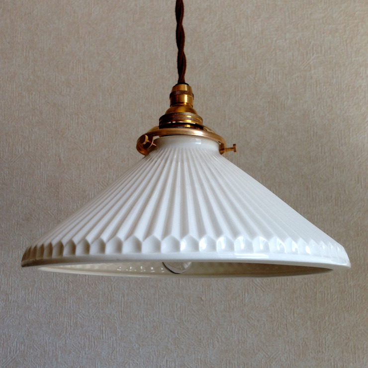 Lightware: 飛松陶器が手掛けた折衷的なです。,オリジナル 磁器
