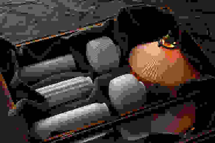 Lighware: 飛松陶器が手掛けた折衷的なです。,オリジナル 磁器