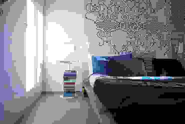 """Casa """"B"""" Camera da letto in stile industriale di Giulia Brutto Architetto Industrial"""