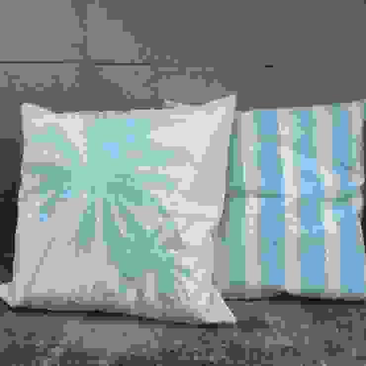 Almohadones para el showroom de Remeros Beach-Tigre de Indigo Fabrics Moderno