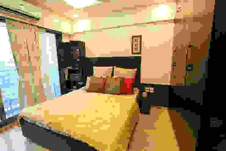 Residence Modern style bedroom by SHUBHI SINGHAL INTERIOR DESIGN Modern