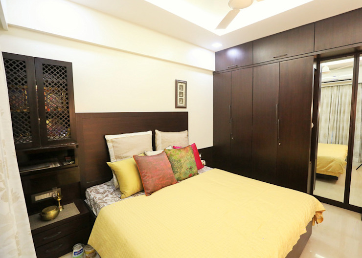 Modern style bedroom by SHUBHI SINGHAL INTERIOR DESIGN Modern