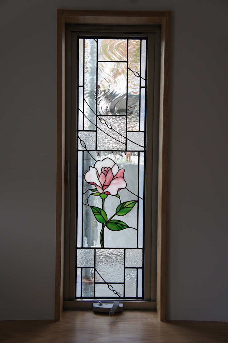 薔薇: タラ工房が手掛けた折衷的なです。,オリジナル ガラス