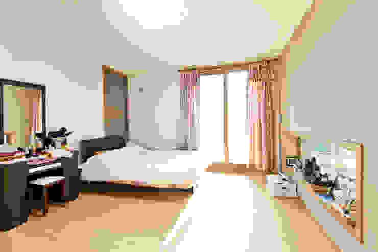 관산동 주택 모던스타일 침실 by GongGam Urban Architecture & Construction 모던
