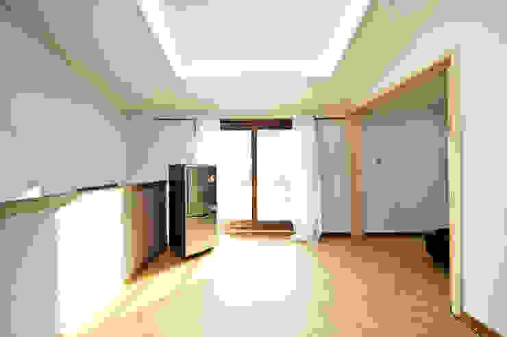 관산동 주택 모던스타일 거실 by GongGam Urban Architecture & Construction 모던