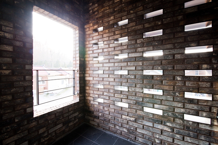 Moderne balkons, veranda's en terrassen van GongGam Urban Architecture & Construction Modern