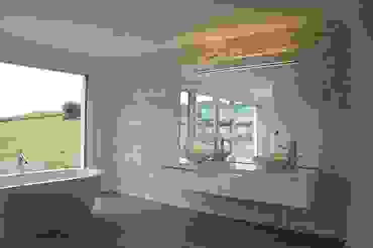 Badezimmerumbau Stefan Räz - Raum und Möbel Moderne Badezimmer