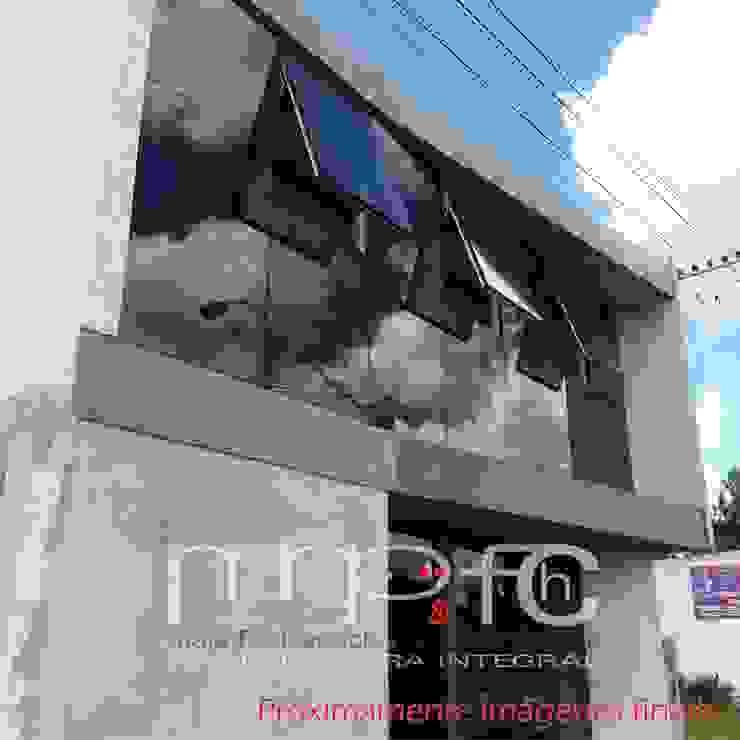by MNP & FCH arquitectura integral Minimalist