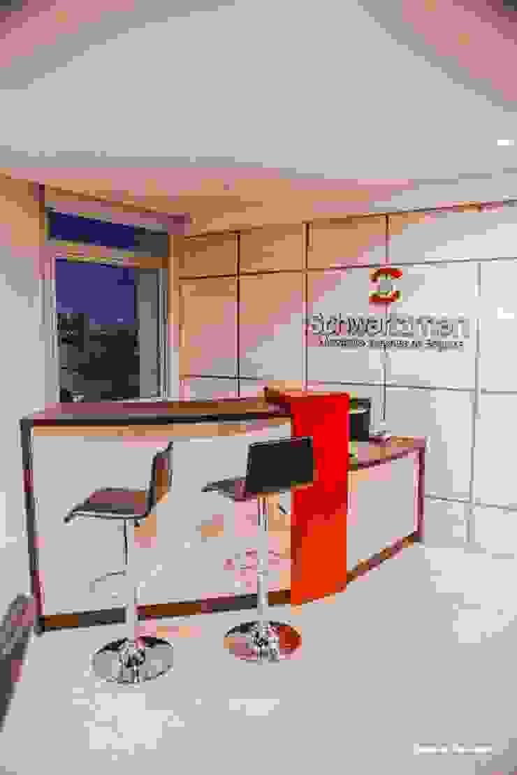 Oficinas Corporativas - Broker de Seguros Oficinas y comercios de estilo moderno de D&C Interiores Moderno