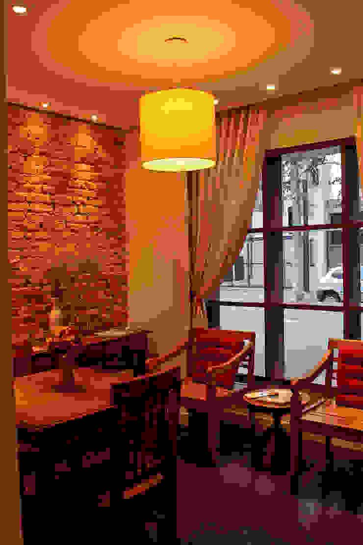 Gastronomía de estilo rústico de Politi Matteo Arquitetura Rústico