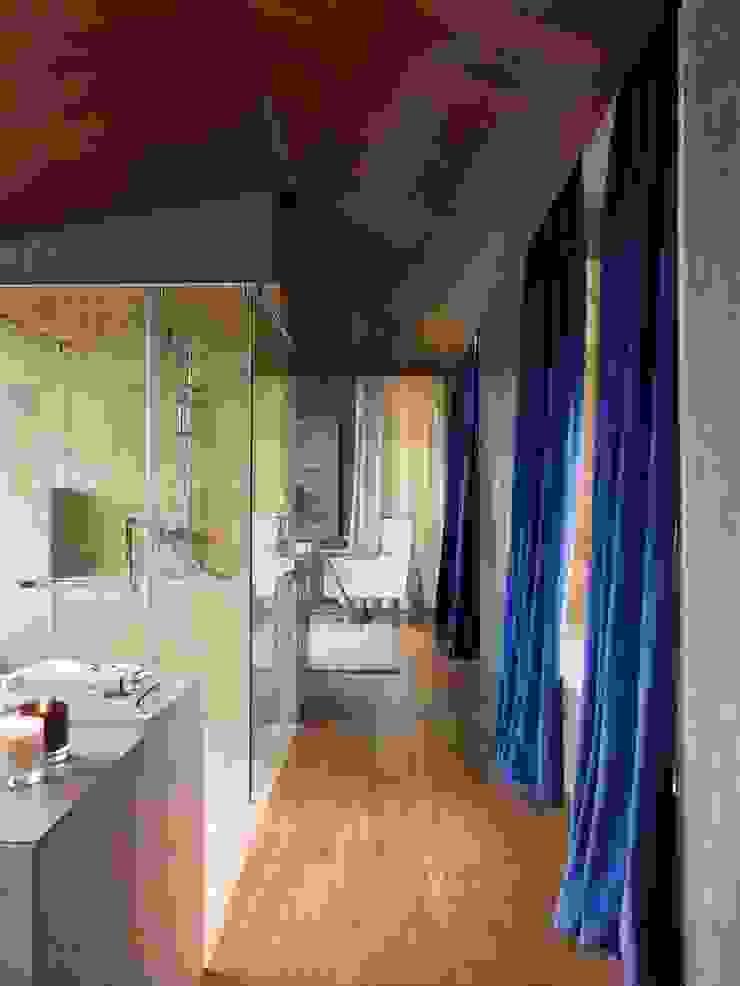 ARTFUL COLOR Casas de banho modernas por SA&V - SAARANHA&VASCONCELOS Moderno
