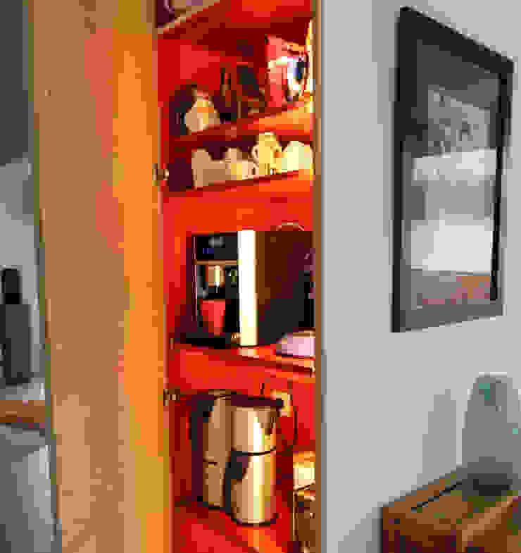 zwaar rustieke fermette wordt luchtig en strak Moderne keukens van Sfeerontwerp Modern