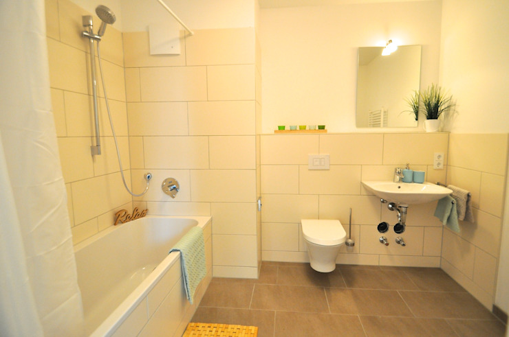 Karin Armbrust - Home Staging Country style bathroom