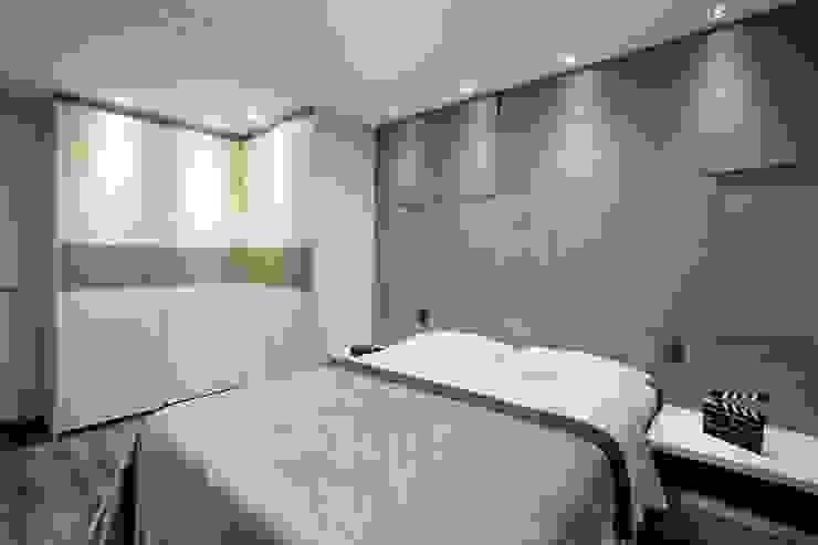 Classic style bedroom by Andressa Saavedra Projetos e Detalhes Classic