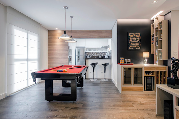 Classic style living room by Andressa Saavedra Projetos e Detalhes Classic