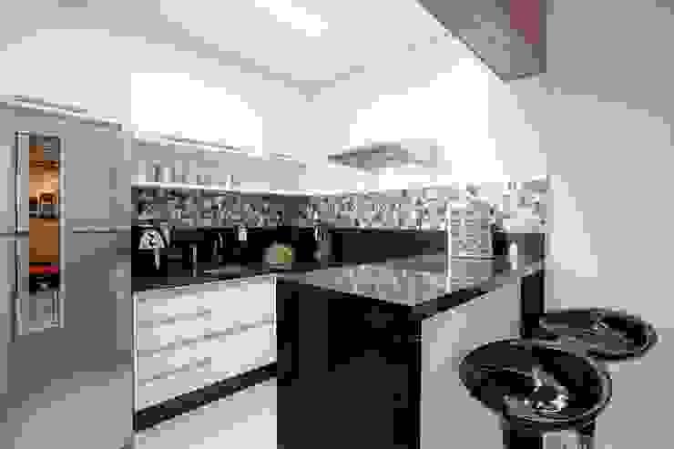 Apto. 64m²: Cozinhas  por Andressa Saavedra Projetos e Detalhes