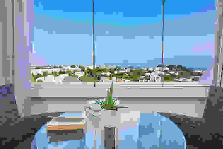 Eclectic style balcony, veranda & terrace by Espacios y Luz Fotografía Eclectic