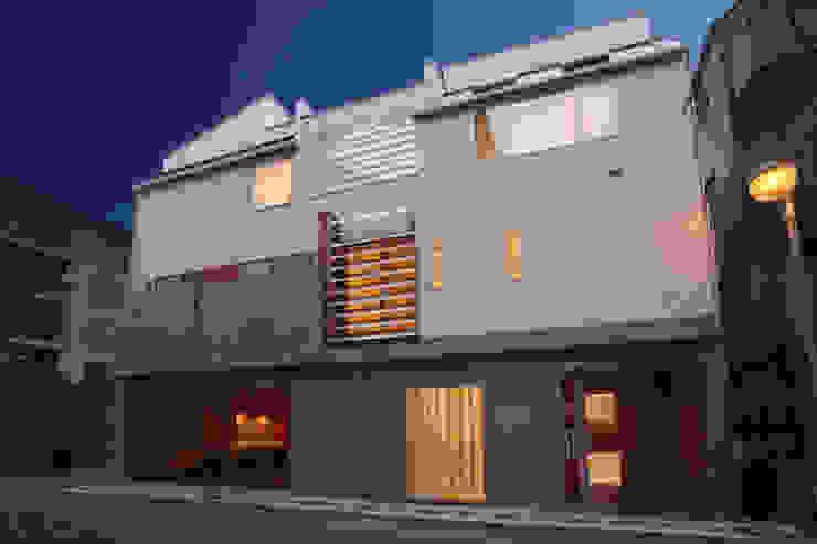 外観2 モダンな 家 の OARK一級建築士事務所 モダン