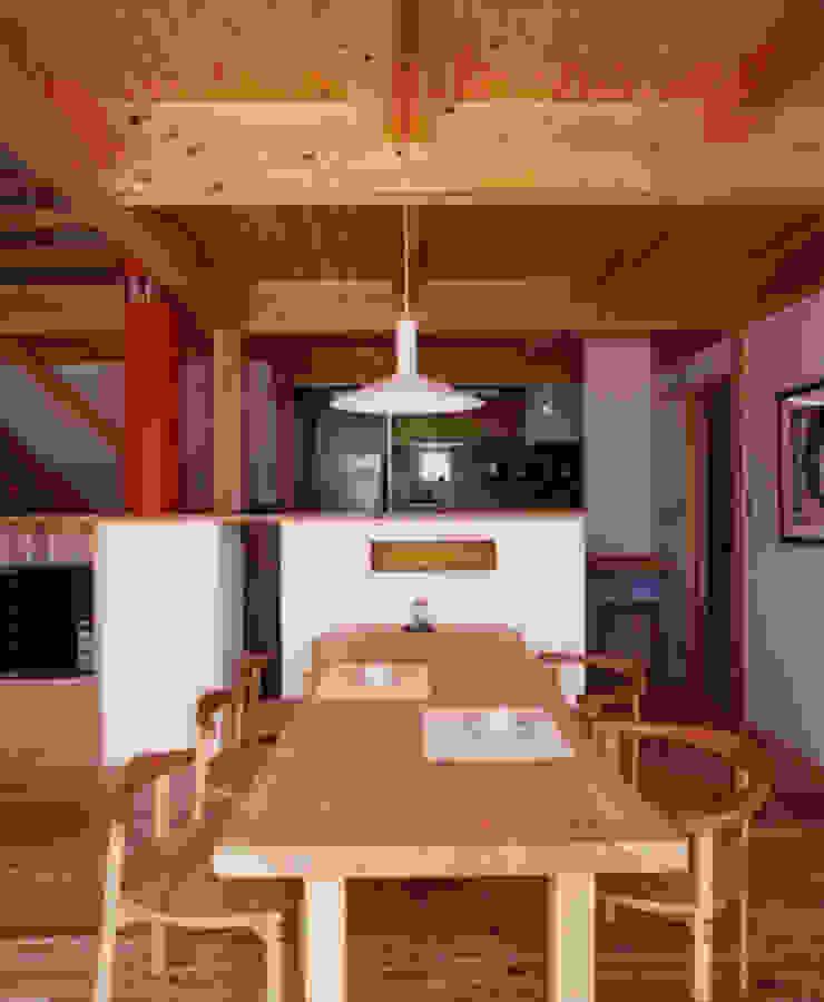 長屋門の家 和風デザインの ダイニング の AMI ENVIRONMENT DESIGN/アミ環境デザイン 和風