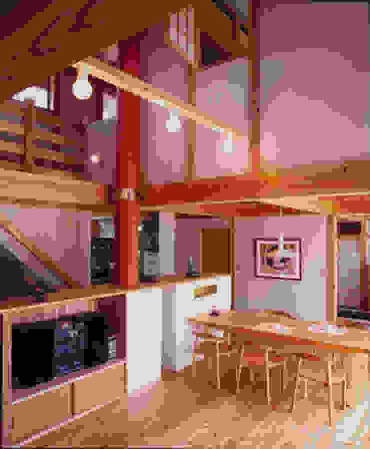 長屋門の家 和風デザインの リビング の AMI ENVIRONMENT DESIGN/アミ環境デザイン 和風