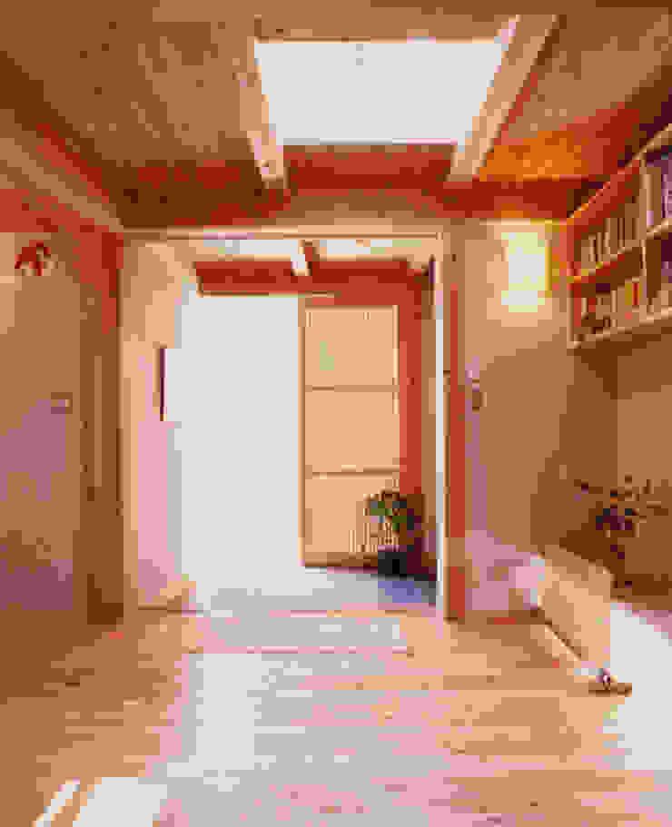 長屋門の家 和風の 玄関&廊下&階段 の AMI ENVIRONMENT DESIGN/アミ環境デザイン 和風