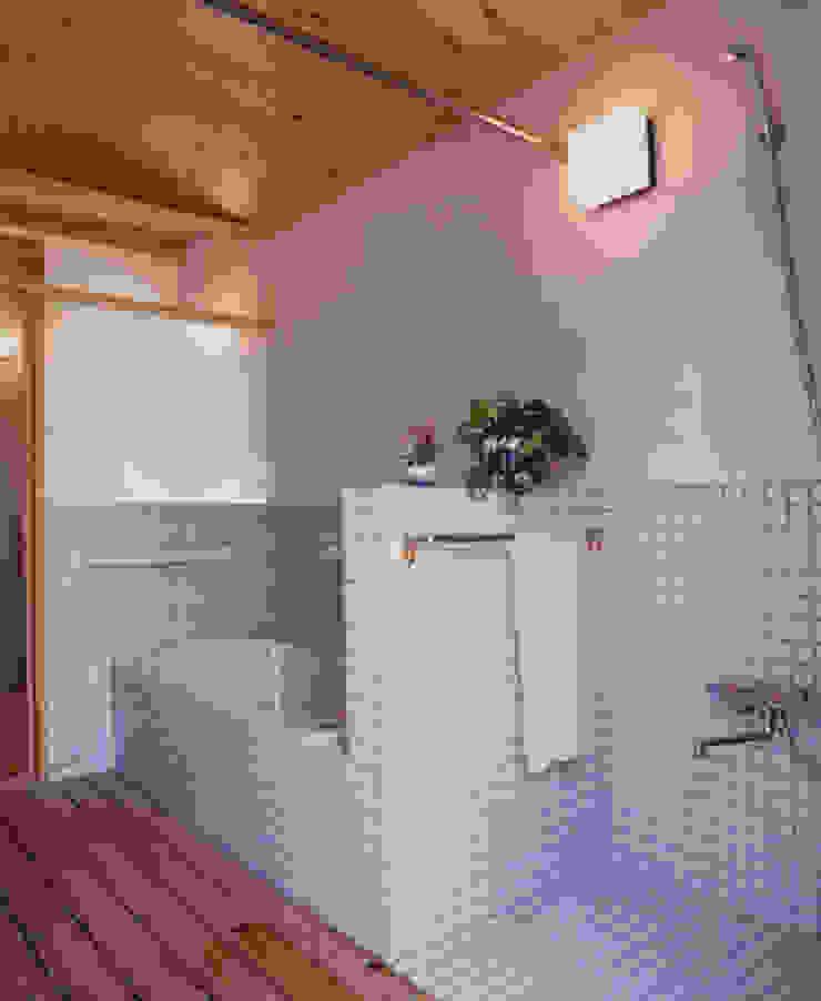 長屋門の家 和風の お風呂 の AMI ENVIRONMENT DESIGN/アミ環境デザイン 和風