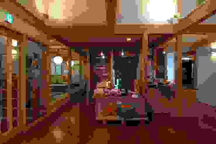 大河内温泉いのゆ 和風の 玄関&廊下&階段 の AMI ENVIRONMENT DESIGN/アミ環境デザイン 和風